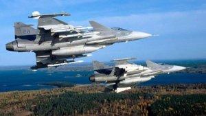 """Azərbaycan F-16 və """"Saab"""" qırıcıları ilə maraqlanır"""