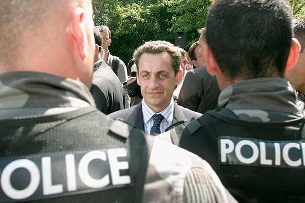 Fransanın keçmiş prezidenti saxlanılıb