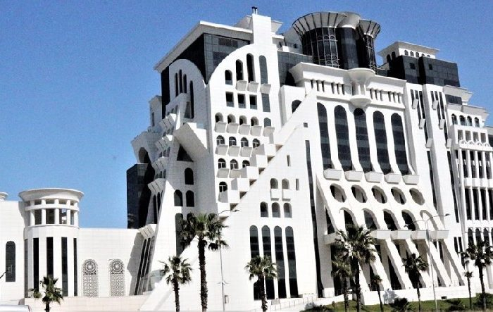 AZAL-ın rəhbəri Batumidə 31 milyon dollarlıq otel tikdirib