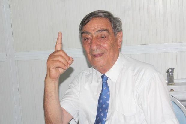 """Rəşid Mahmudov : """"Bəzi qızlar istəyirlər ki, maşını olsun kef etsinlər"""" - VİDEO"""