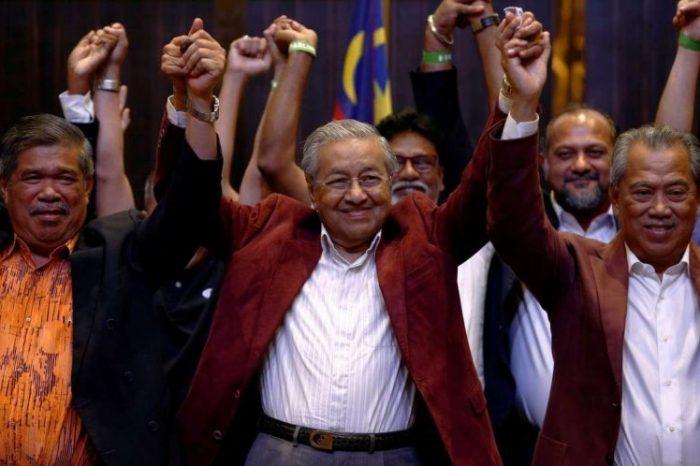 MALAYZİYADA SİYASİ ZƏLZƏLƏ…- 92 yaşlı keçmiş diktator hakimiyyətə xilaskar kimi necə qayıtdı?